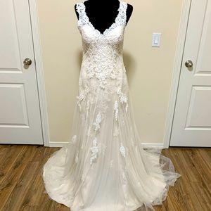 Maggie Sottero/Rebecca Ingram Piper Wedding Dress